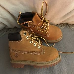 "Timberland toddler 6"" classic boot size 6"